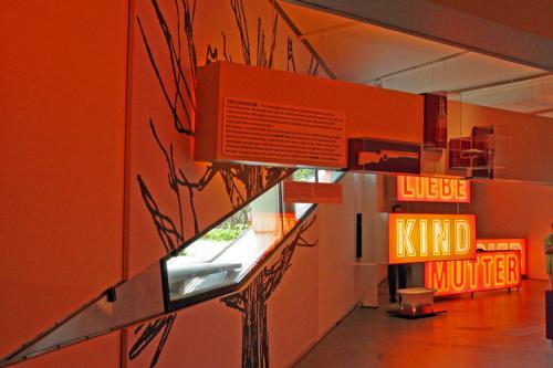 050+-+Freud+Exhibit,+May,+2006+